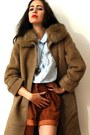 Light-brown-vintage-coat-burnt-orange-vintage-shorts