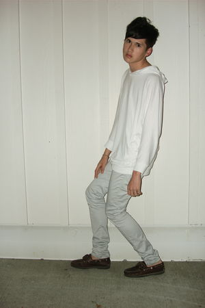 white batwing hoodie American Apparel sweater - brown boatshoes Timberland shoes