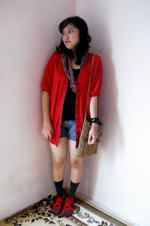 red cardigan - gray socks - black top