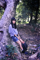gold chain necklace - black rodeo drive boots - blue Nordstroms jeans