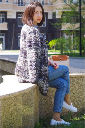 gray wool Massimo Dutti coat - blue cotton River Island jeans