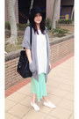 White-shoes-aquamarine-dress-black-hat-heather-gray-knitted-cape