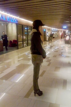 black ankle boots - dark gray Lee jeans - black hat - black leather jacket - bei