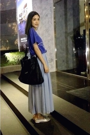 violet skirt - black Zara bag - silver loafers - blue t-shirt