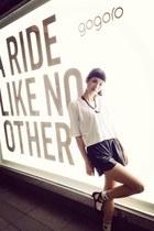 black Nine West shoes - black leather Imoda shorts