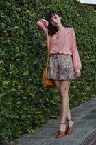 MondaBelle blouse - Angel skirt - Loucos & Santos heels