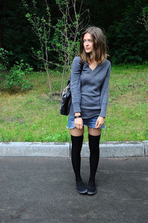 gray Zara sweater - blue handmade shorts - black Sisley socks - black Topshop sh