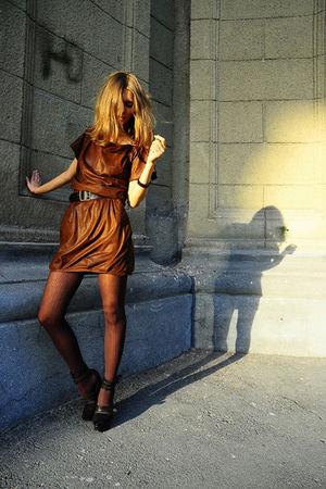 brown Zara dress - black Mango belt - black Givenchy shoes