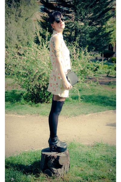 black studded litas boots - ivory leaves pattern asos dress - black skulls purse