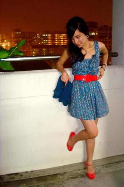 red Vincci shoes - blue Bugis Village dress - blue jacket - red belt