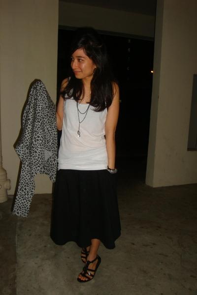 Alano jacket - seed t-shirt - Alano skirt - City Square shoes