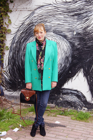 green blazer - crimson bag
