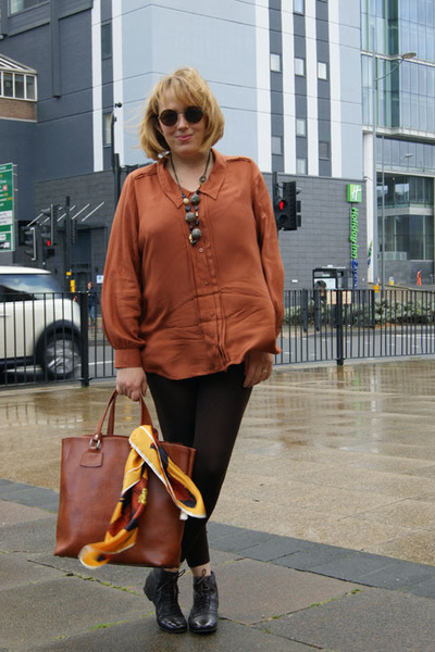 Brown Blouse Outfit 70