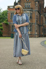 Heather-gray-sandals-shoes-periwinkle-aztec-dress-cream-vintage-bag