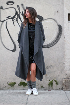 black dont remember dress - gray dont remember coat - white Zara sneakers