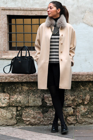 black Accessorize bag - tan Max Mara coat - black Stradivarius skirt