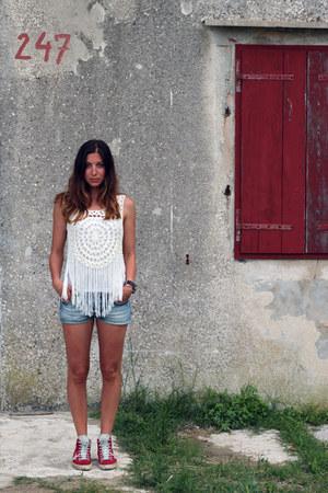 ivory Tally Weijl top - light blue denim shorts Only shorts