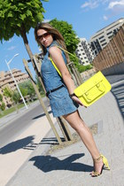 Stella Rittwagen bag - Zara dress - Ray Ban sunglasses - Zara sandals