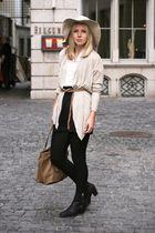 hat - blouse - belt