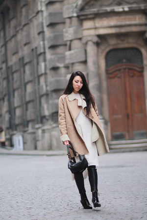 shearling Mango coat - Mango boots - Zara sweater