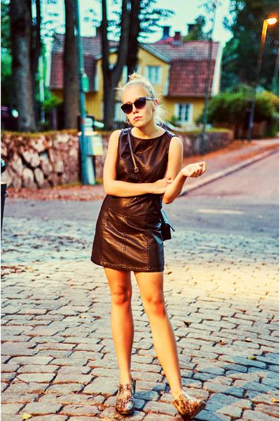 brown Jimmy Choo x H&M boots - dark brown leather Sisley dress