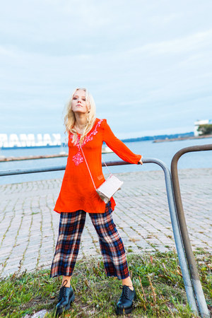 carrot orange Indiska dress - brick red silk pajama Zara pants