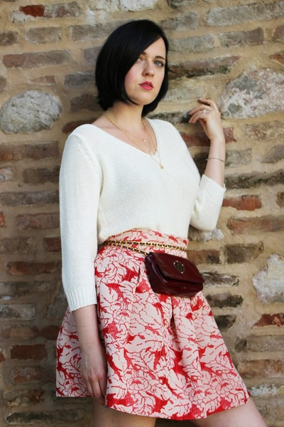 red Vicolo skirt - white ovs sweater - maroon Pollini bag