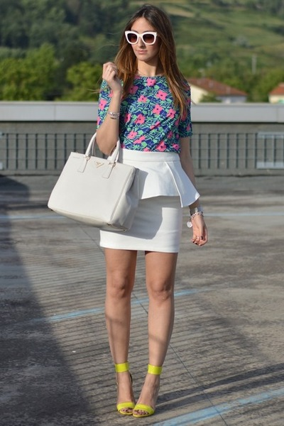 baa061ef98c5 white peplum Sheinside skirt - off white Prada bag - ivory Zara sunglasses