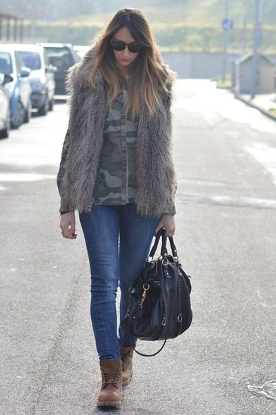 light brown Sisley vest - light brown Timberland boots - teal Rifle jeans
