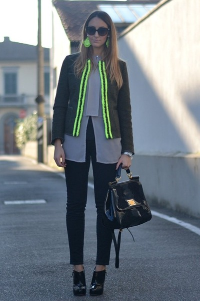 black patent leather Dolce & Gabbana bag - army green DeHart jacket
