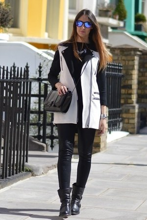 black strategia boots - black Zara leggings - black Zara bag