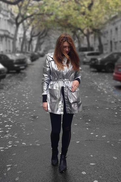 Gate coat - lipstick shoes - SAXONY leggings
