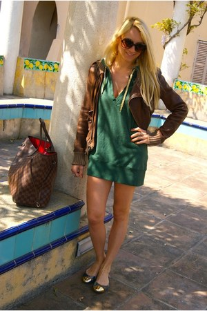 pull&bear dress - Louis Vuitton bag - LYN flats