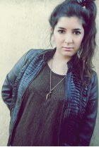 black leather jacket Ona Saez jacket - dark gray hair scarf scarf