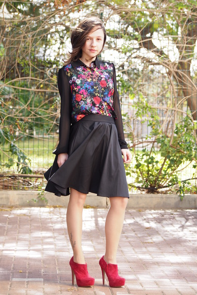 Forever 21 blouse - ruby red Aldo heels - black castro skirt
