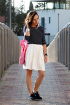 white H&M skirt - navy H&M shirt - navy nike sneakers