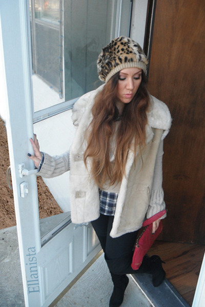 black suede otk boots - beige suede and fur Guess coat