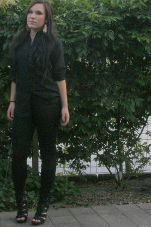black H&M blouse - black Forever21 leggings - black Bershka shoes