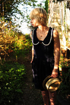 navy River Island dress - tawny boater Topshop hat - gold clog pendant vintage n