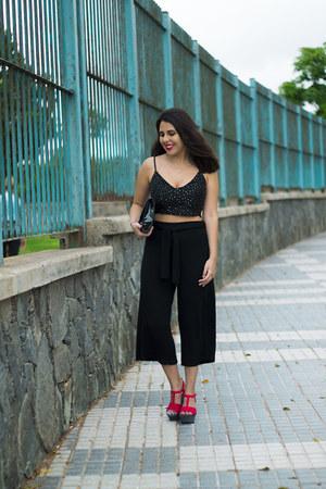 black H&M bag - black pull&bear pants - black Zara top - hot pink Zara wedges
