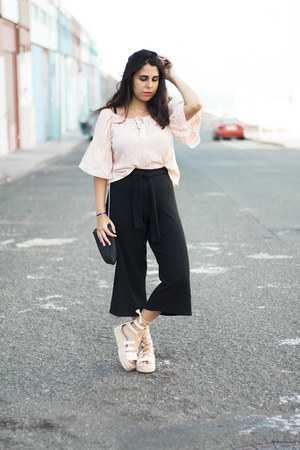 black pull&bear bag - light pink Rosegal blouse - black pull&bear pants