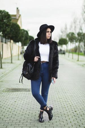 black sammydress coat - black Zara boots - navy pull&bear jeans - black Zara hat