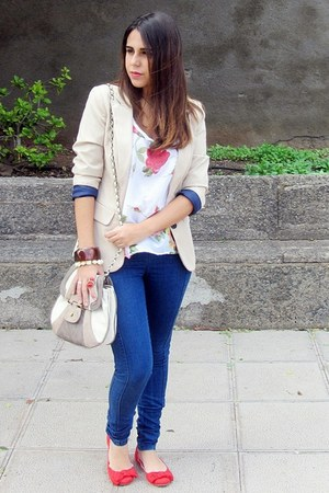 beige pull&amp;bear blazer - navy pull&amp;bear jeans - beige Misako bag