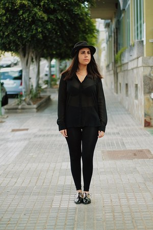 black suiteblanco hat - black Primark pants - black Stradivarius blouse