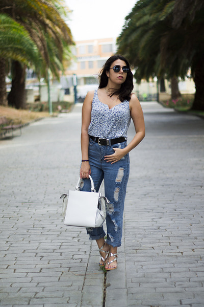 aquamarine Oasapcom jeans - sky blue Stradivarius shirt - white Parfois bag