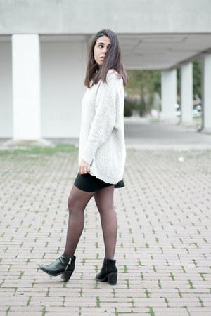 black Stradivarius boots - periwinkle pull&bear sweater - black Aliexpress skirt