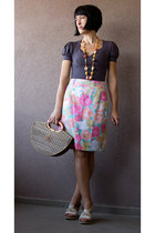 eggshell wedges - light brown straw bag - bubble gum Pierre Catel skirt