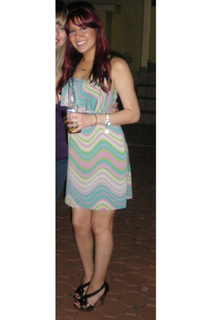 Veronica M dress - Steven by Steve Madden shoes - Fossil accessories