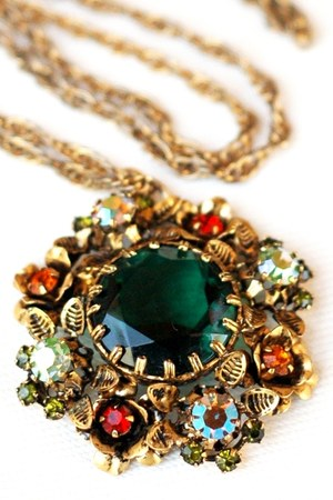 green Art Nouveau Floral Pendant necklace