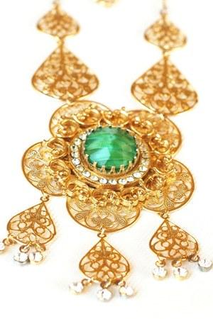 Vintage Dangle Flower necklace
